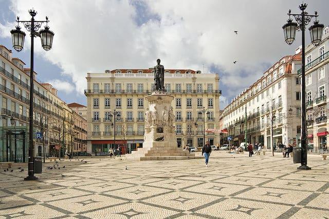 Plaza Luís de Camões en el Chiado