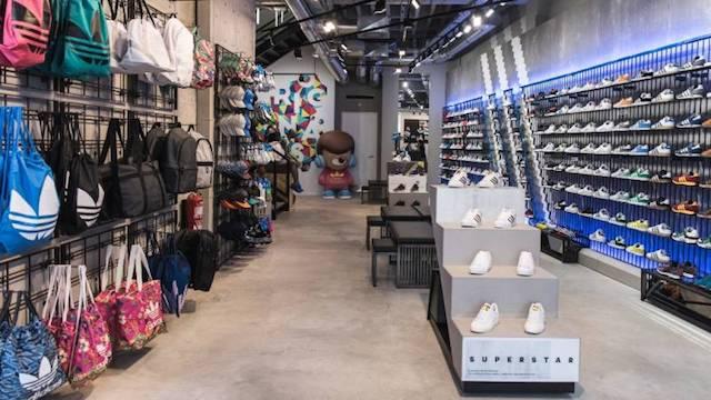 donde comprar zapatillas para correr y para fútbol en Lisboa