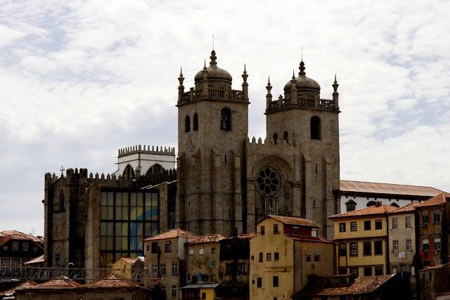 Vista de la Torre de los Clérigos en Oporto