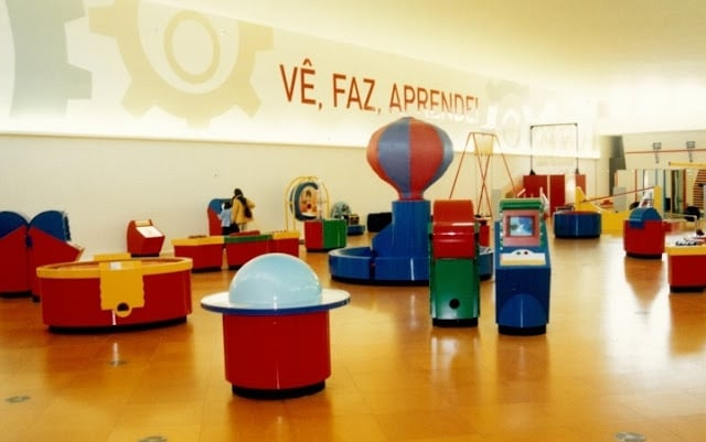 Exposición ''vê, faz, aprende'' en Lisboa