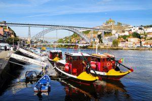 Barcos en la Ribeira de Oporto