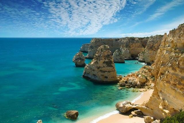 Praia da Marinha (Playa de la Marina) en Algarve