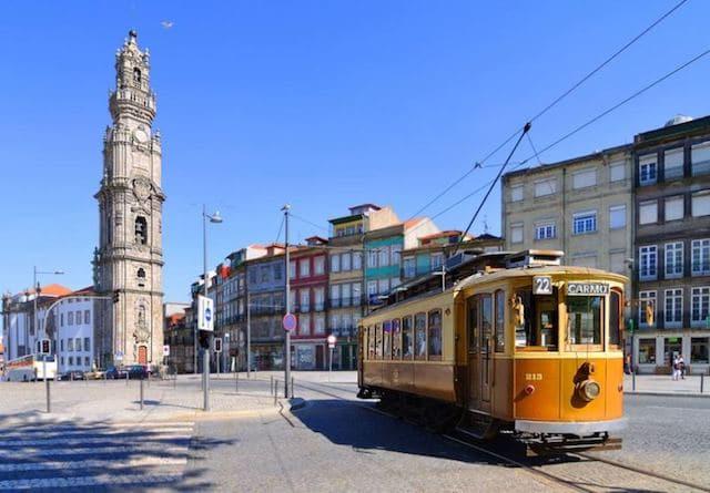 Paseo en Tranvía por Oporto
