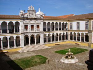 Convento de Santa Clara en Évora