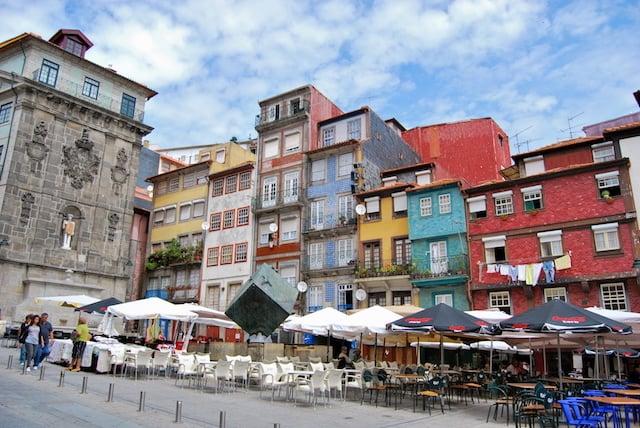 Ribeira de Oporto con casas típicas
