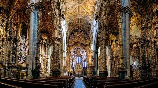 Iglesia de São Francisco en Oporto