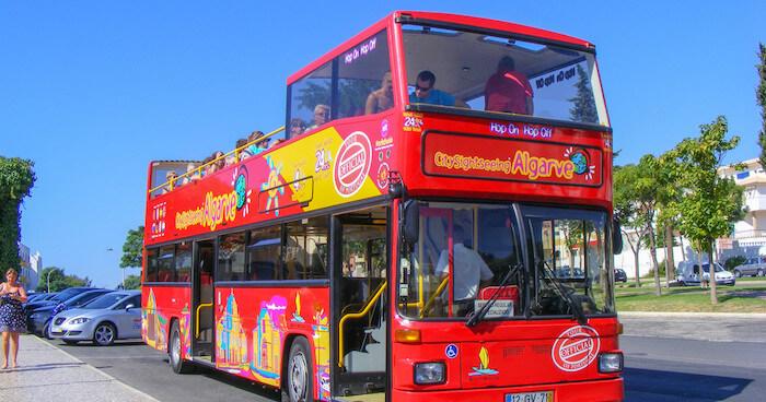 Paseo en autobús turístico en Albufeira