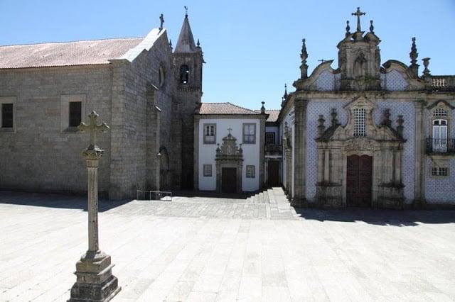Iglesia y Convento de São Francisco en Guimarães