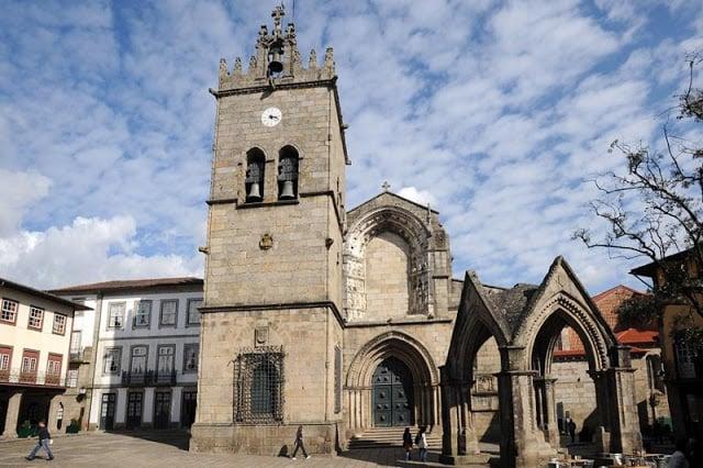 Iglesia de Nuestra Señora da Oliveira en Guimarães