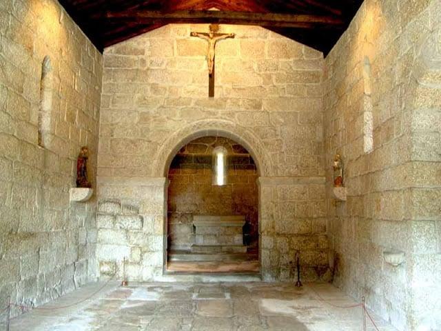 Interior de la Iglesia São Miguel