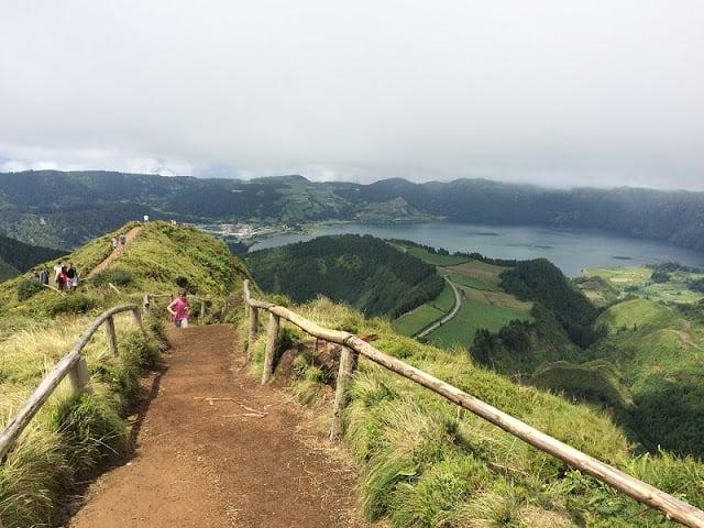 Camino hasta la Lagoa do Fogo
