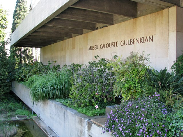Entrada al Museo Calouste Gulbenkian en Lisboa