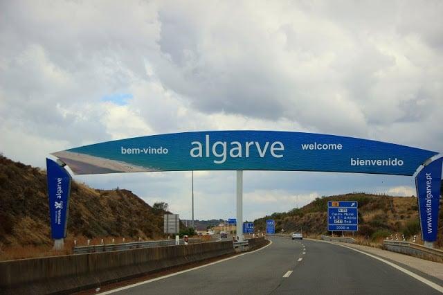 Alquilar un auto en Algarve en Portugal: Ahorra mucho