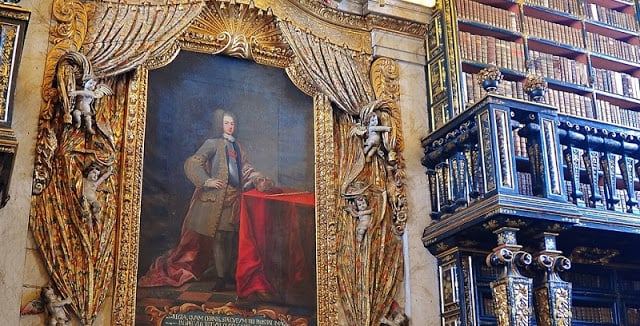 Retrato de João V en la Biblioteca Joanina en Coimbra